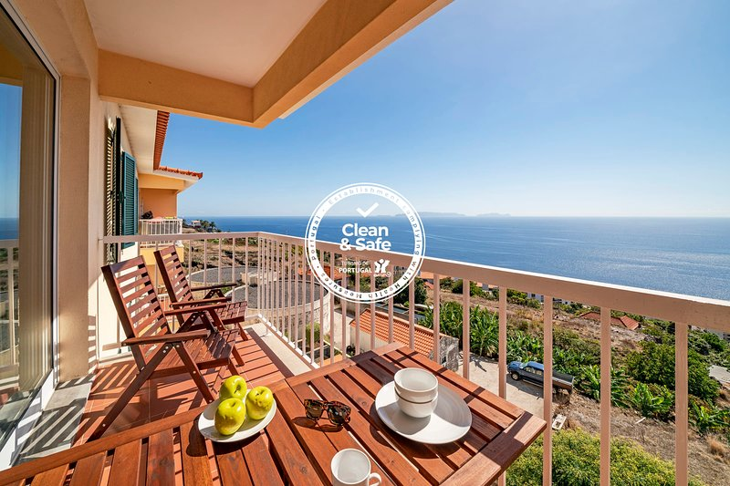 Reis Magos III, for families with sea view., holiday rental in Santa Cruz