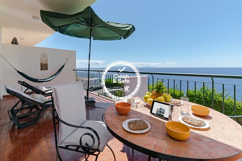 Reis Magos II, sea view apartment, holiday rental in Santa Cruz