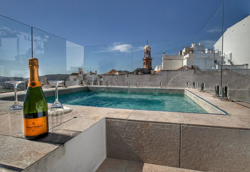No 17 Competa, luxury rental townhouse close to main square, holiday rental in Competa