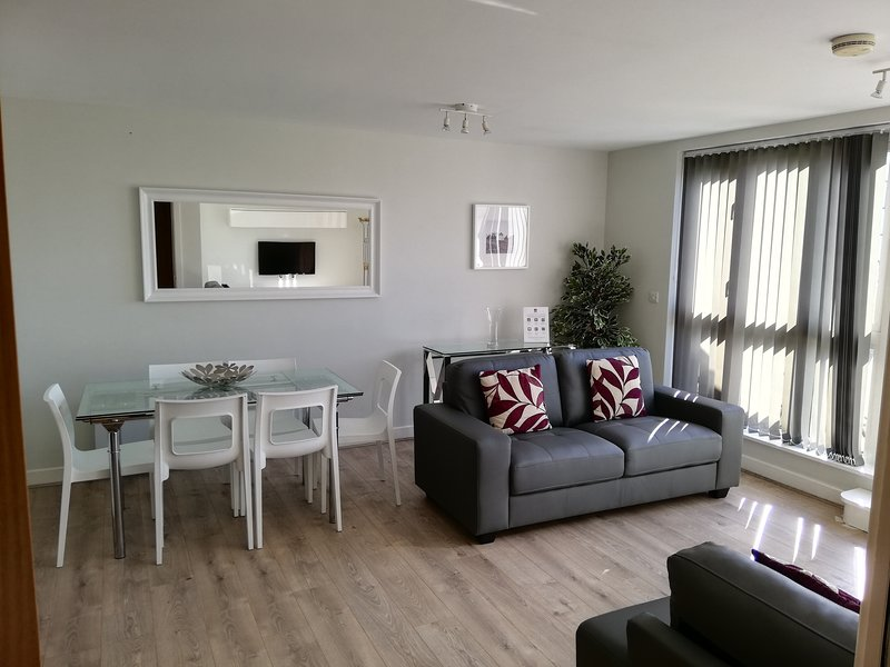 Roomspace - Park Lane, holiday rental in Caterham