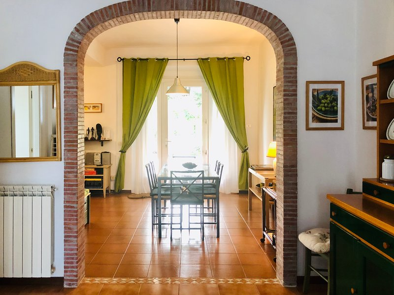 Vigna Licia 2, apartment in the roman countryside, Ferienwohnung in Castel Romano