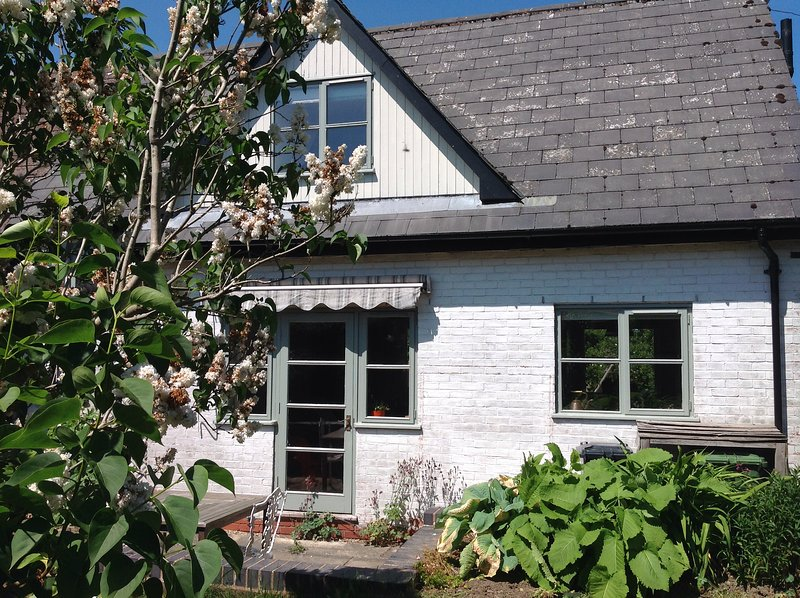 Charming  Cosy Cottage, holiday rental in Cradley