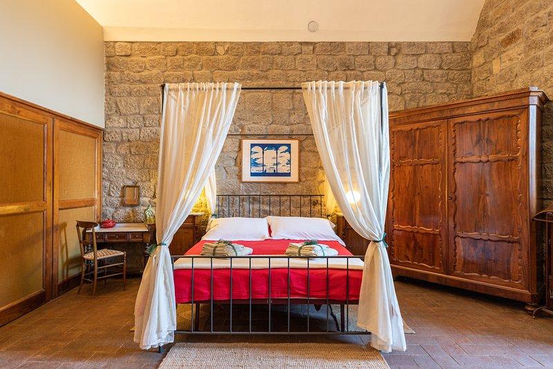 Belforti's room, holiday rental in Montecatini Val di Cecina