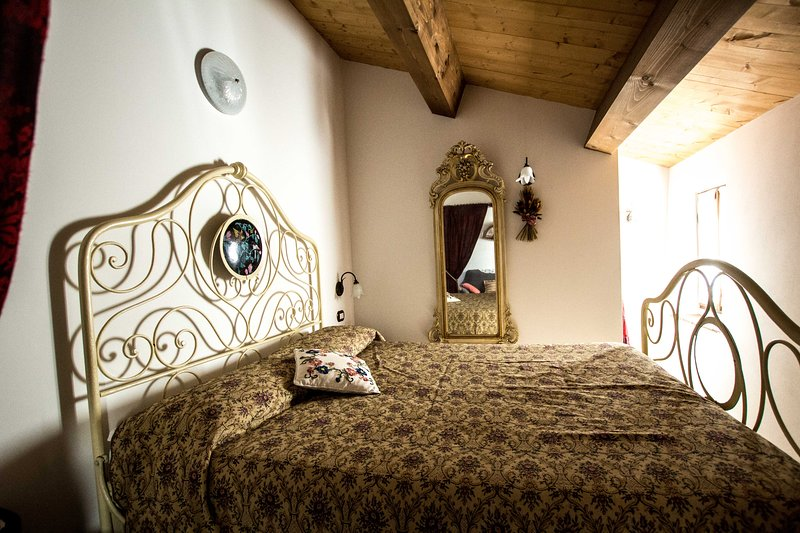 Intimo appartamento, vacation rental in Gemmano