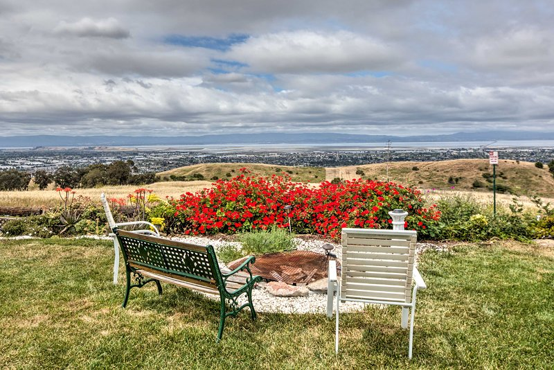 NEW! Floral Studio w/Bay Area Views ~2 Mi to Dtwn!, casa vacanza a Livermore