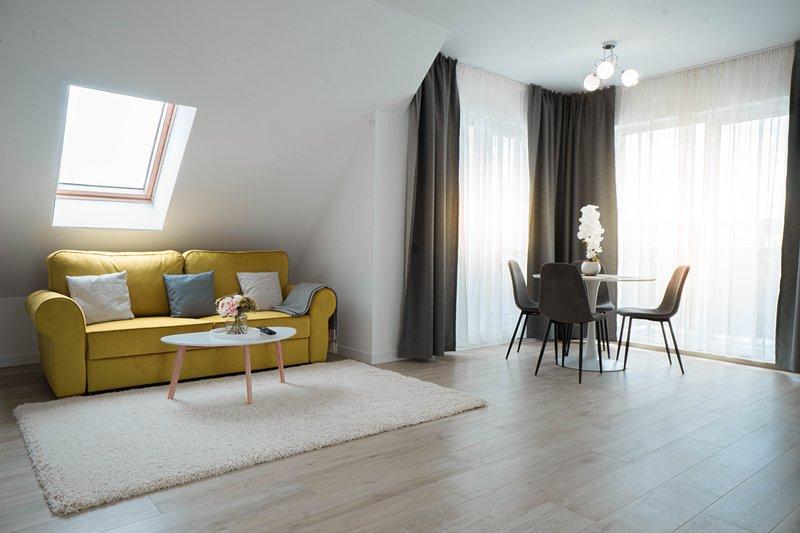 Modern Cozy Attic in a Private Complex / Cluj-Napoca central area, location de vacances à Bontida