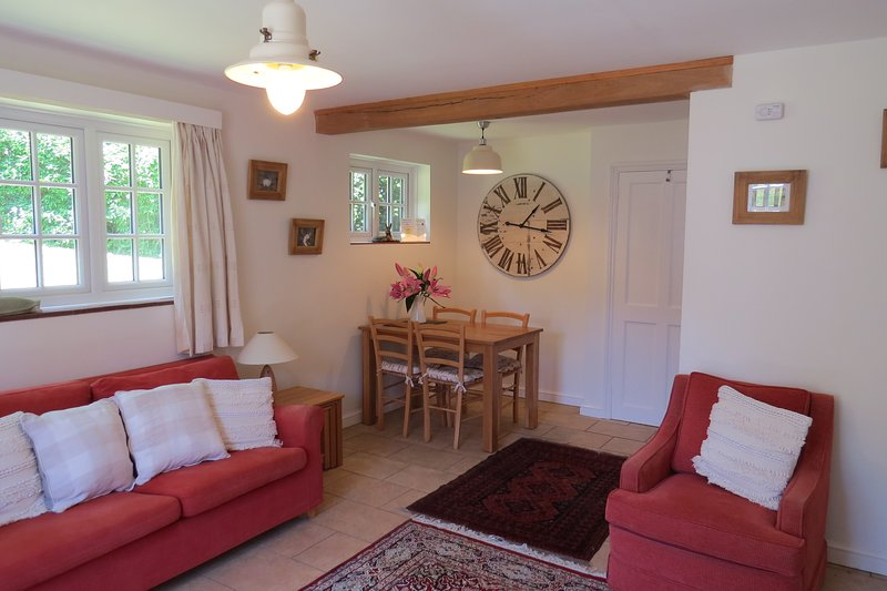 Gardener's Cottage, nestling in the South Downs, close to Chichester, location de vacances à Waterlooville