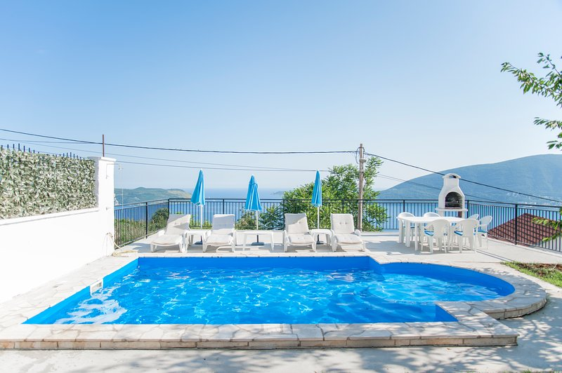Swimming Pool - Aleksandar Vista - Herceg Novi - Podi, holiday rental in Herceg-Novi Municipality