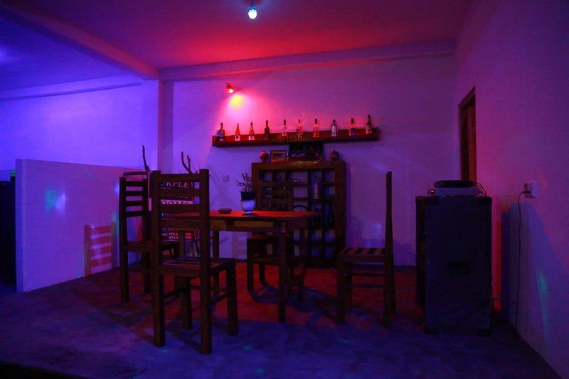Purple Villa, holiday rental in Kamburugamuwa