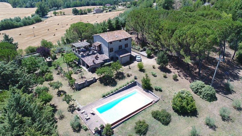 Casale dei Puppi, casa colonica nel cuore dell'Umbria, holiday rental in Collelungo