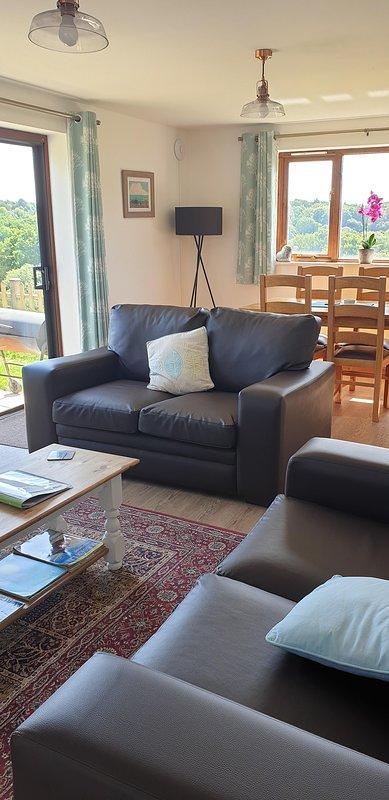 Open plan lounge / diner