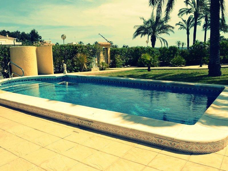 Stunning 4 Bed Detached Villa/ Private Pool /Beachside -DC005, alquiler vacacional en Playa Flamenca