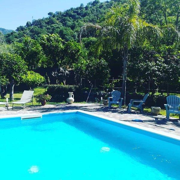 Le Muse Country House - Villa with private pool, alquiler vacacional en Francavilla di Sicilia