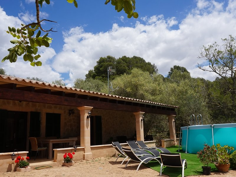 Cas Rellotger - Holiday home with swimming pool, location de vacances à Randa