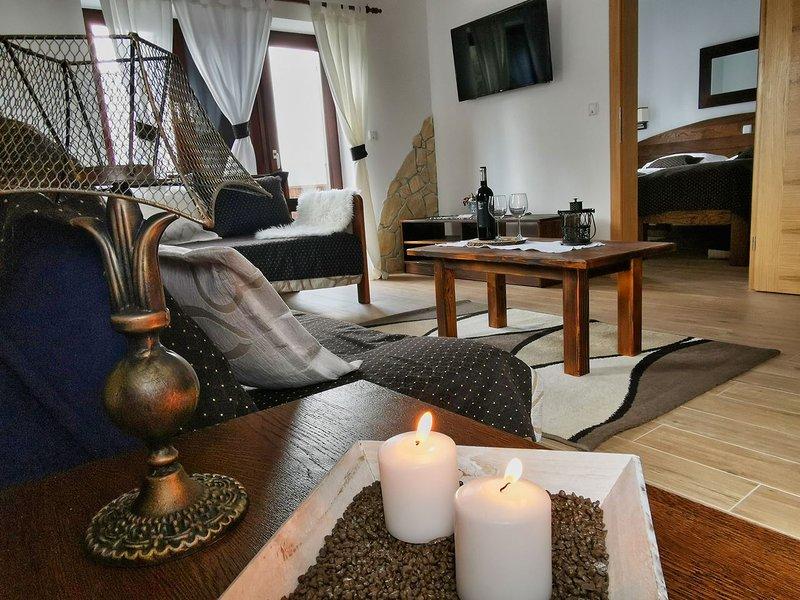 Etno garden apartment H3, alquiler de vacaciones en Jezerce