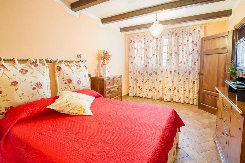 VILLA LISA - Melograno - Appartamento in villa con giardino, vacation rental in Diano Marina