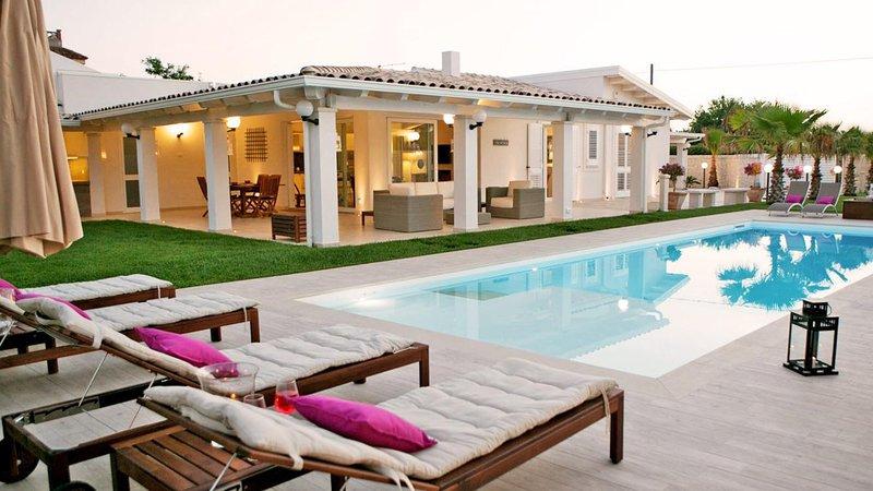 Villa Magnolia, vacation rental in Santa Maria del Focallo