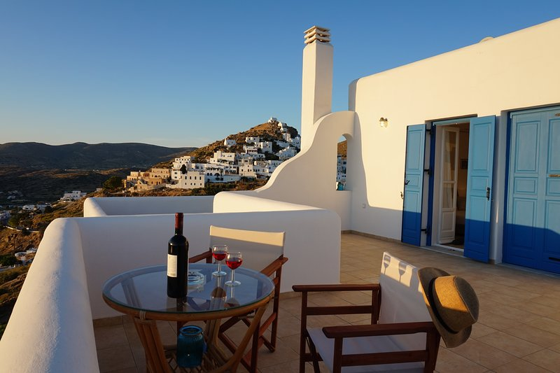 Breathtaking view experience centrally located in Ios - Villa Ios Sunset, holiday rental in Yialos