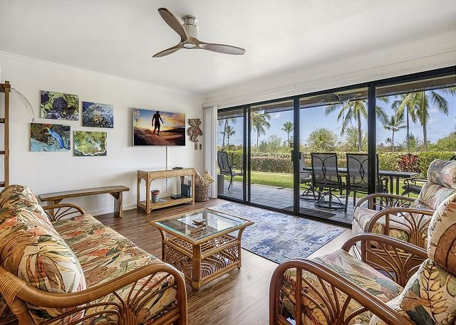 Keauhou Punahele E-102 Ground Floor, Spacious Lanai, Personal BBQ, VERY Quiet, vacation rental in Keauhou