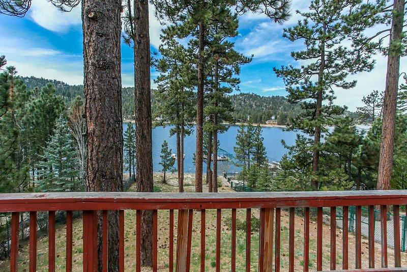 Rustic Vintage Lakefront, alquiler de vacaciones en Big Bear Region