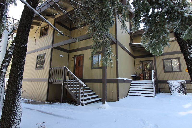 Snow covered Big Bear Cool Cabins, The Slopes Condo front