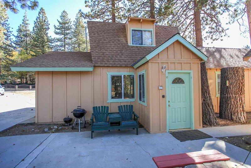 Lakeside Cabin 10, location de vacances à Fawnskin