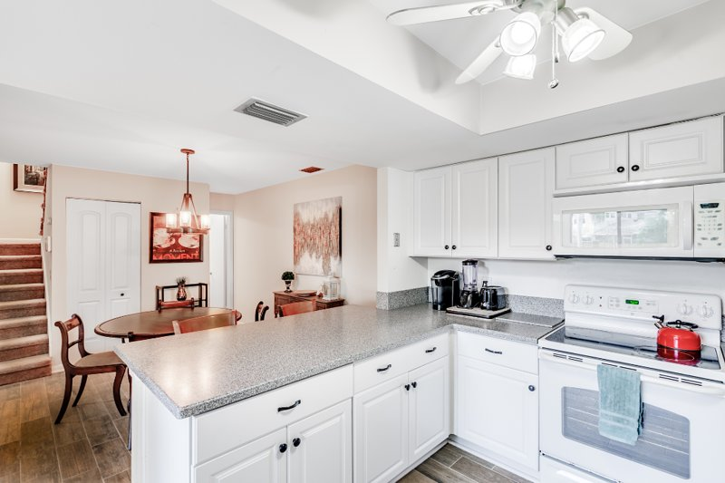 Bright kitchen and dinette