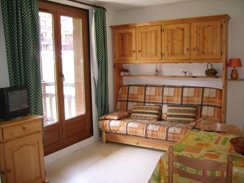 Appartement Studio cabine 5 couchages RISOUL 1850, vacation rental in Risoul