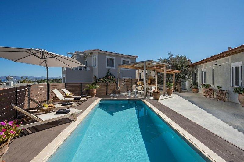 Roxanne Luxury Villa, Galatas Chania, holiday rental in Theriso