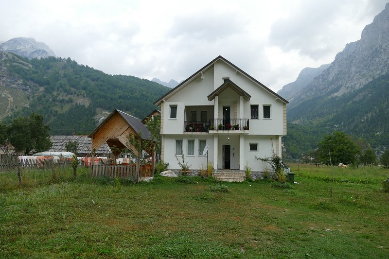 Guest House Izet Selimaj, holiday rental in Kukes County