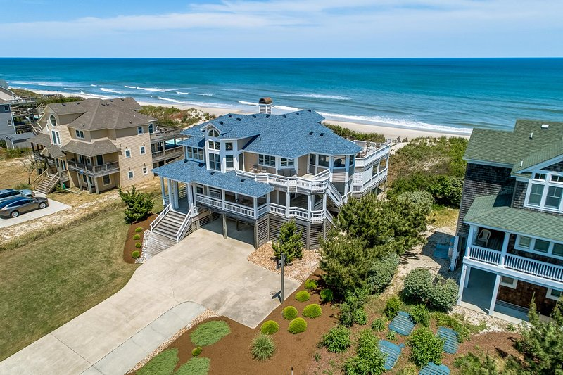 Pure Grace | Oceanfront | Private Pool, Hot Tub, vakantiewoning in Corolla