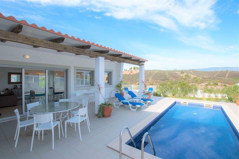 Casa André, Monte Canelas, luxury villa with pool, vacation rental in Montes de Cima