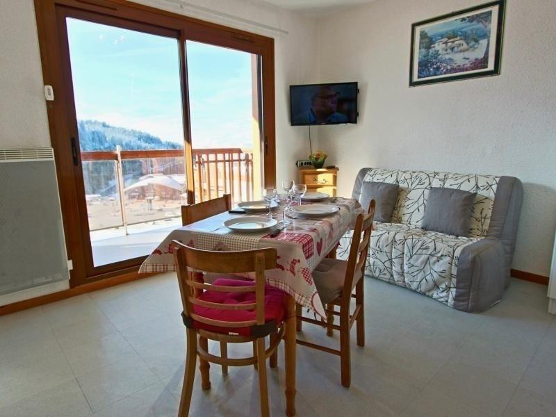 Très joli studio situé au pied des pistes et plein SUD, alquiler de vacaciones en Saint-Martin-d'Uriage