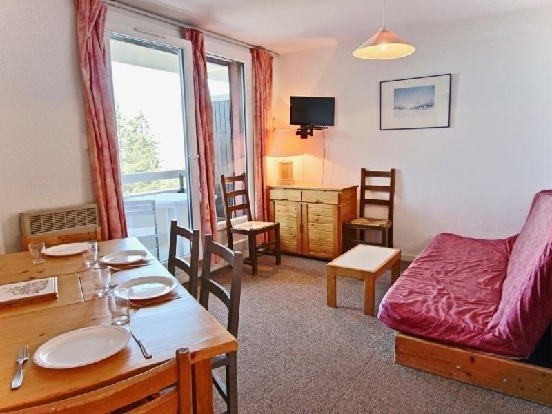Appartement 6 personnes avec 3 coins nuit séparés, dans une résidence proche, casa vacanza a Laffrey
