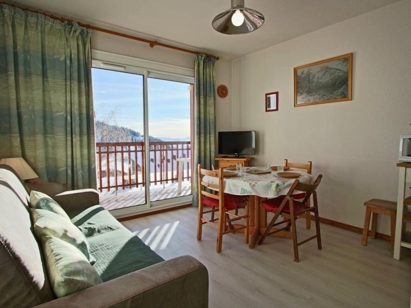 studio + coin cabine beau et confortable expo Sud pied des pistes, alquiler de vacaciones en Saint-Martin-d'Uriage