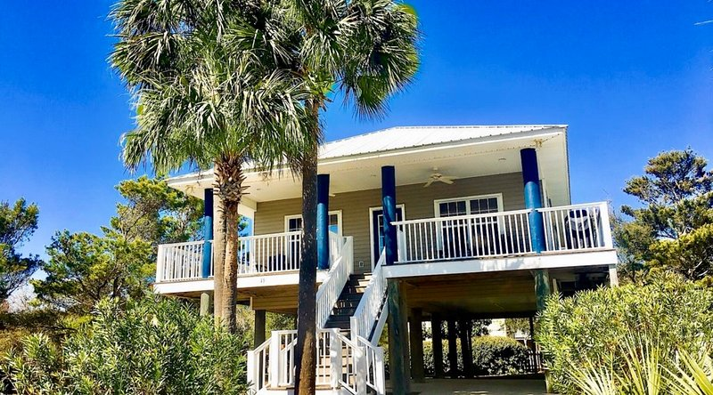 South of 30 Blue Parrot Cottage Private Pool Steps to the Beach, holiday rental in Santa Rosa Beach