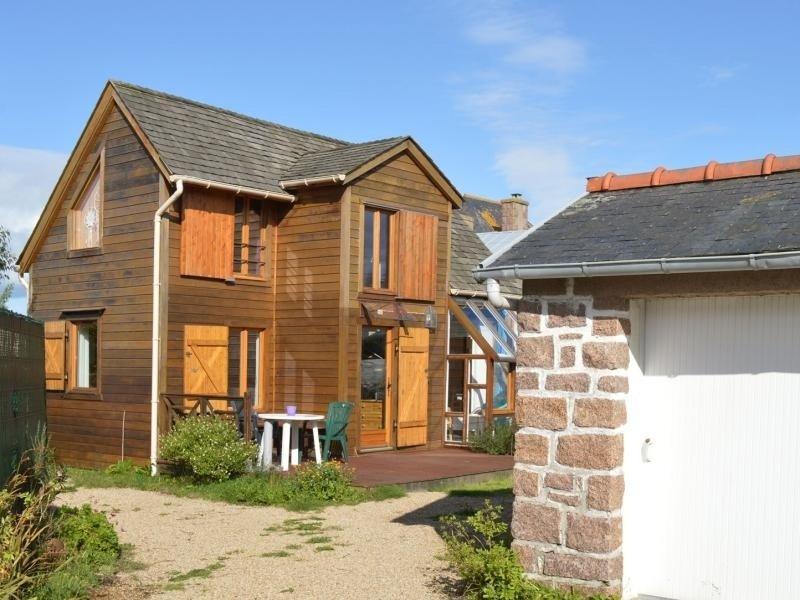 Ty Coat Chalet Wifi inclus jardin parking cadre reposant tout près de la mer !, vakantiewoning in Tregastel-Plage