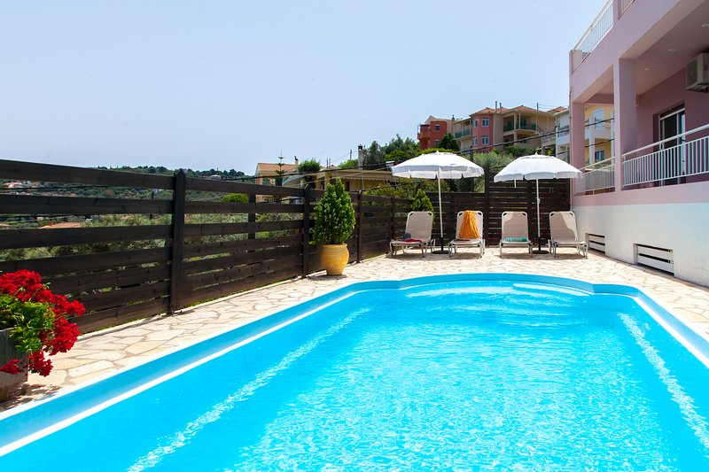 2020Offer:Beautiful Villa Nikoleta With Pool Close to Lefkada Town Offers 20%OFF, holiday rental in Kalligoni