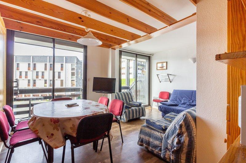 L'Altitude - Appartement avec balcon au pied des pistes, casa vacanza a Tramezaigues
