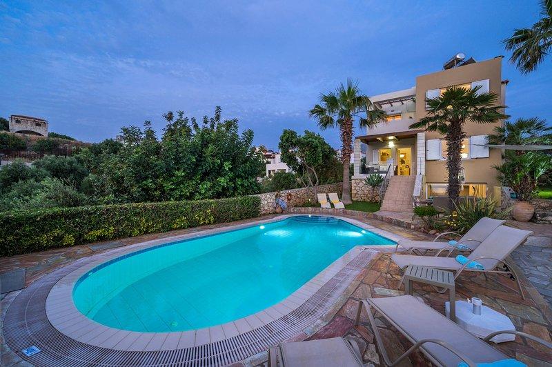 Villa Nicolas Plaka|With Sea View, location de vacances à Plaka