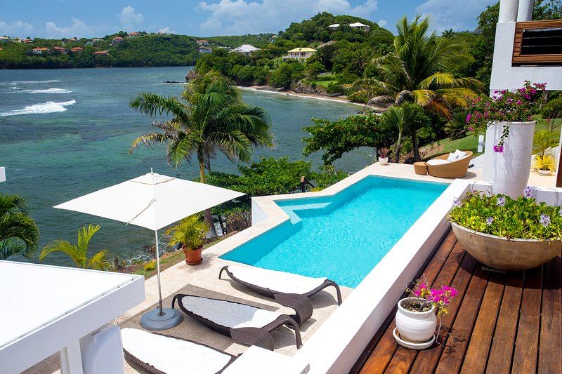 Stunning Luxury Waterfront Villa In Grenada, holiday rental in Westerhall
