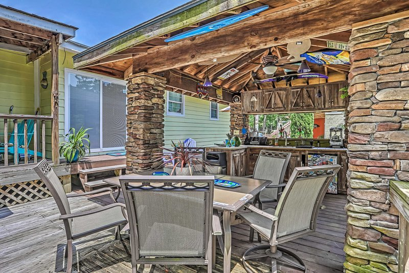 With accommodations for 4, this property is perfect for friends and family.
