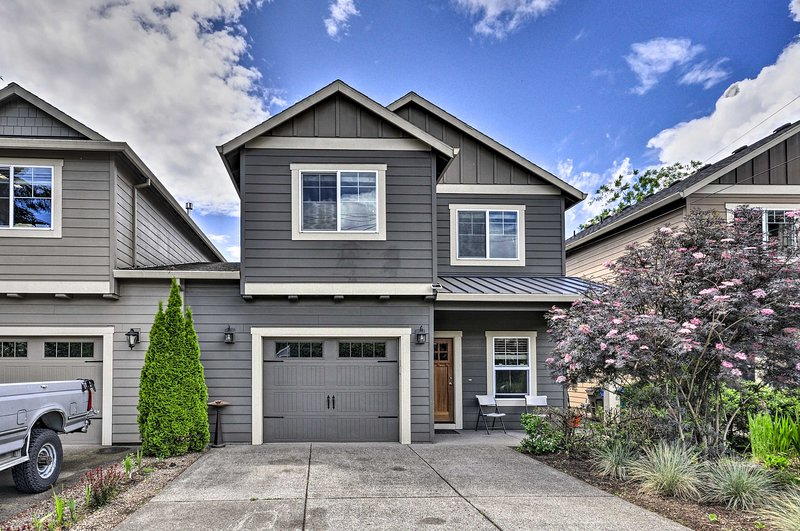 NEW! Charming Portland Home w/Yard 9Mi to Downtown, casa vacanza a Gladstone