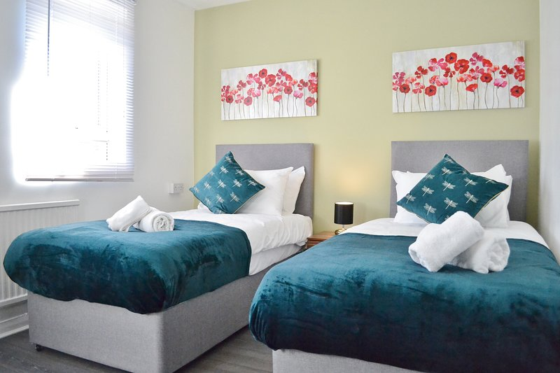 6 beds * great for business & leisure * parking, holiday rental in Madingley