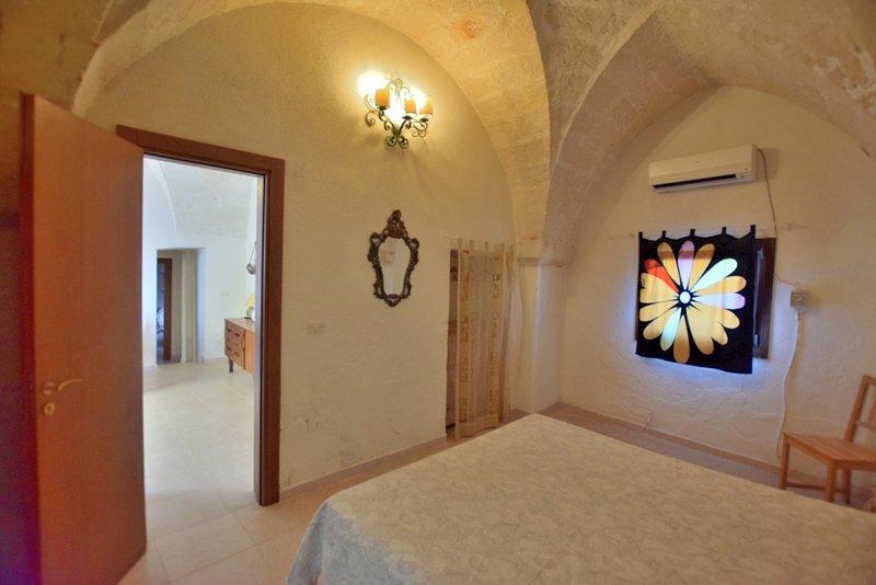 Casa vacanze in tipica dimora locale, holiday rental in Monacizzo-Librari-Truglione