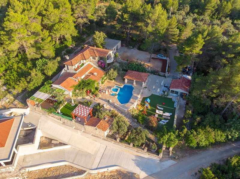 Stone house-Villa 'Fantasy', vacation rental in Vela Luka