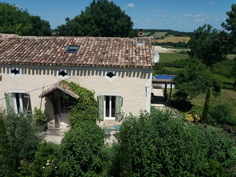 renovated lavender cottage. With woodland walks., vacation rental in Saint Julien d'Eymet
