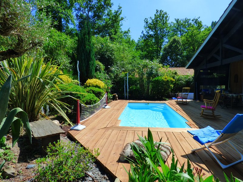 MAISON BASSIN D'ARCACHON Spa et piscine chauffée à 5 minutes des plages, vacation rental in Lanton