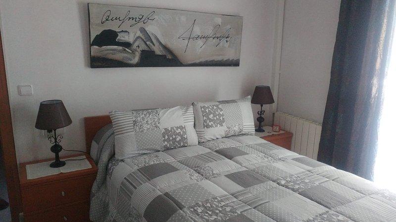 BRAVAHOLIDAY-13-K-4, 1 habitación frente a la playa, con vistas al mar y piscina, casa vacanza a Palafolls