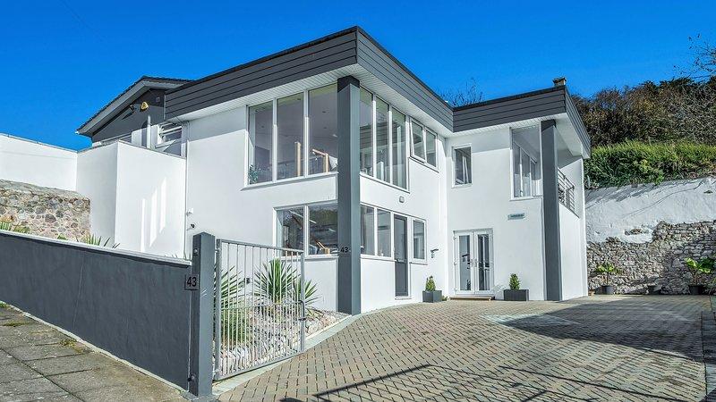 ARCHITECT DESIGNED Luxury 5 STAR SUITE, Ferienwohnung in Torquay